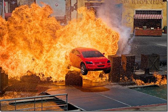 h-car-stunt2
